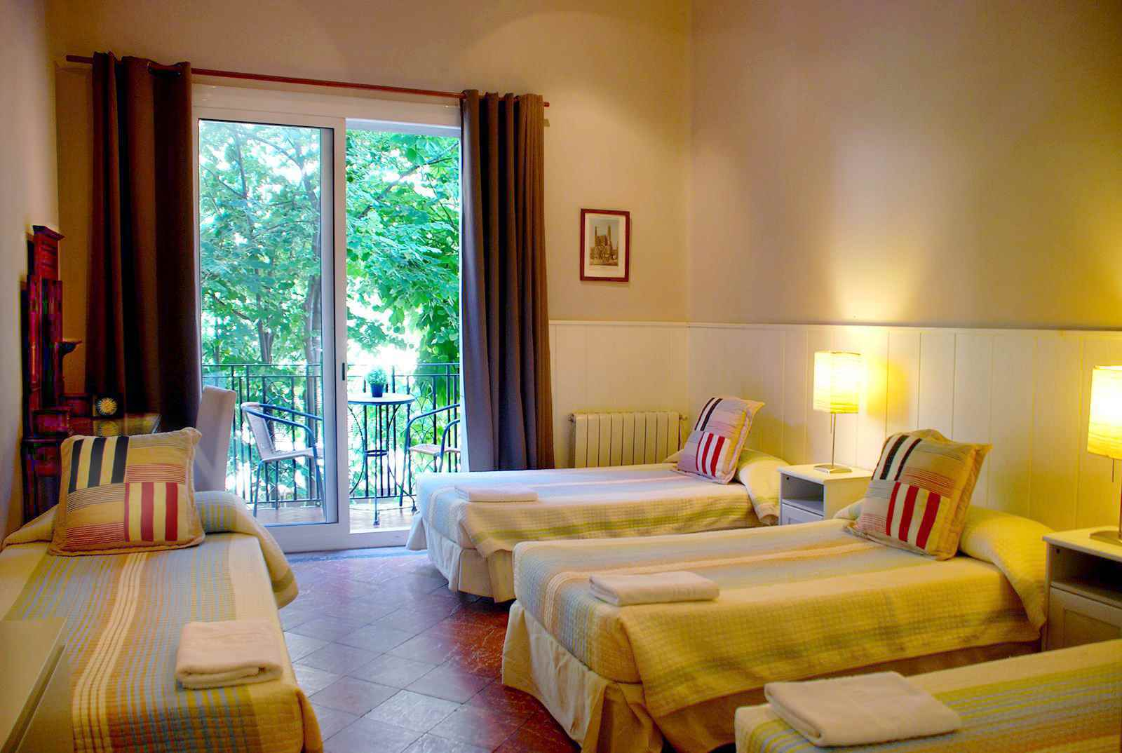 /casa-consell-bed-and-breakfast-barcelona/book